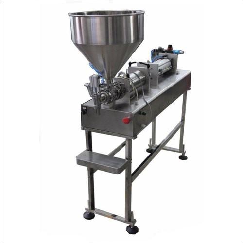 Small scale semi-automatic liquid filler