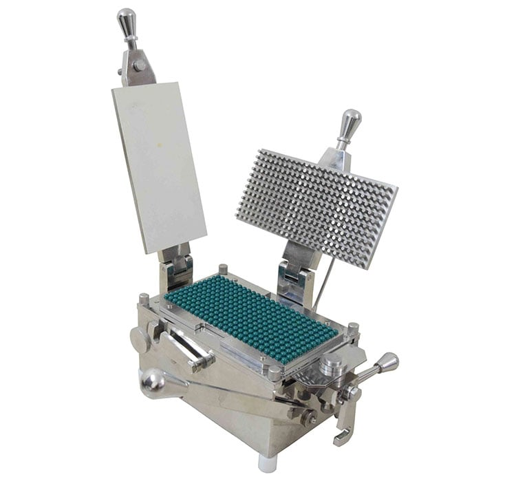 Manual-capsule-filling-machine-Kanhan-International-min